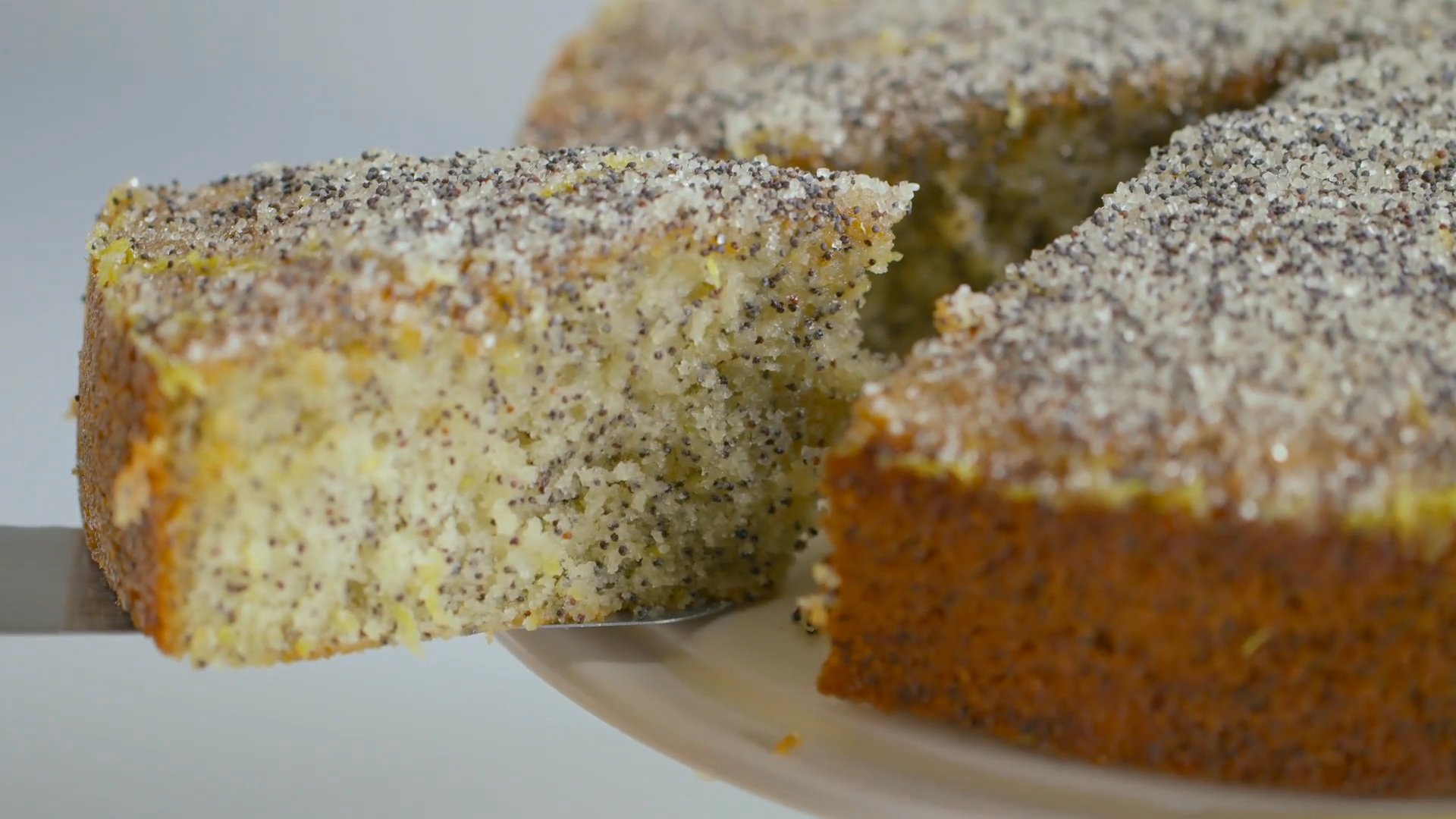 How to Bake Lemon Poppyseed Cake