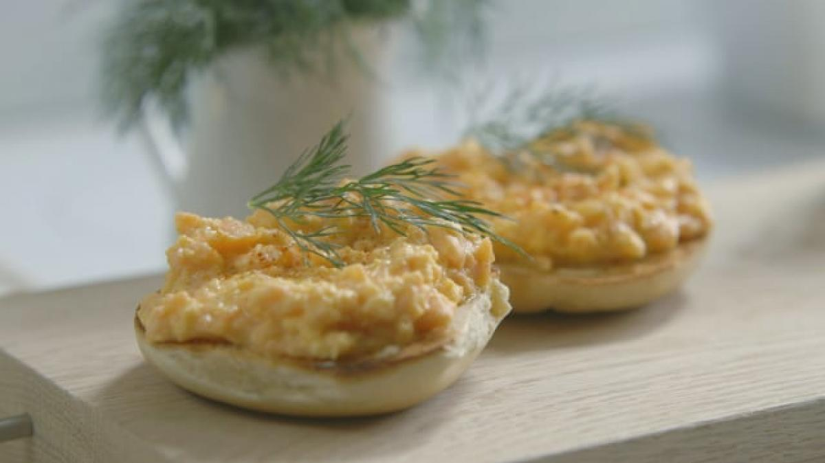 A picture of Delia's Second Term - Lesson 3 - Scrambled and Baked Eggs cookery school video