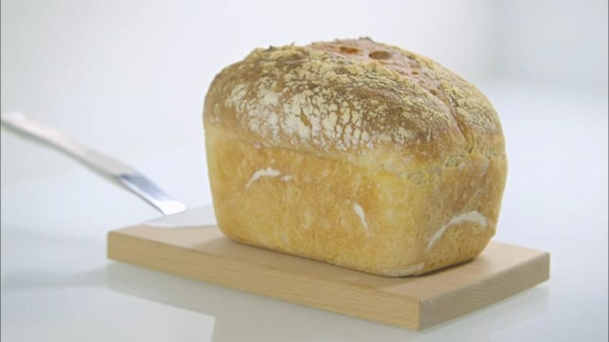 A picture of Delia's Fourth Term - Lesson 2 - White Breads cookery school video
