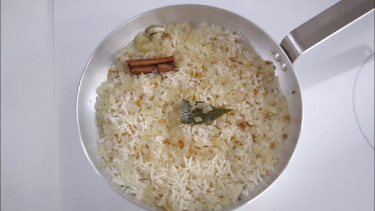 A picture of Delia's Fifth Term - Lesson 1 - Long Grain Rice cookery school video