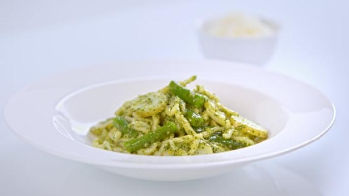 A picture of Delia's Fifth Term: Lesson 3 How to Cook Perfect Pasta cookery school video