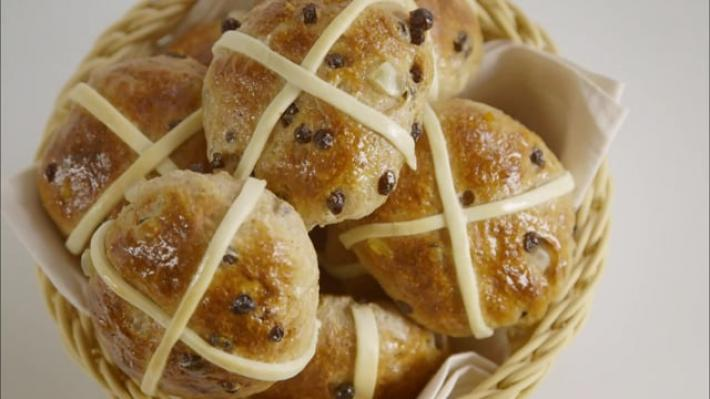 A picture of Delia's Hot Cross Buns cookery school video
