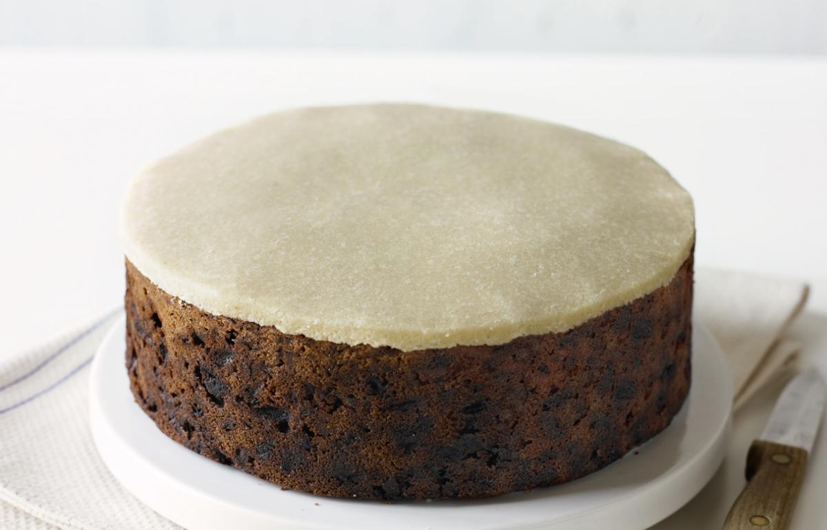 Delia Christmas Cake Icing