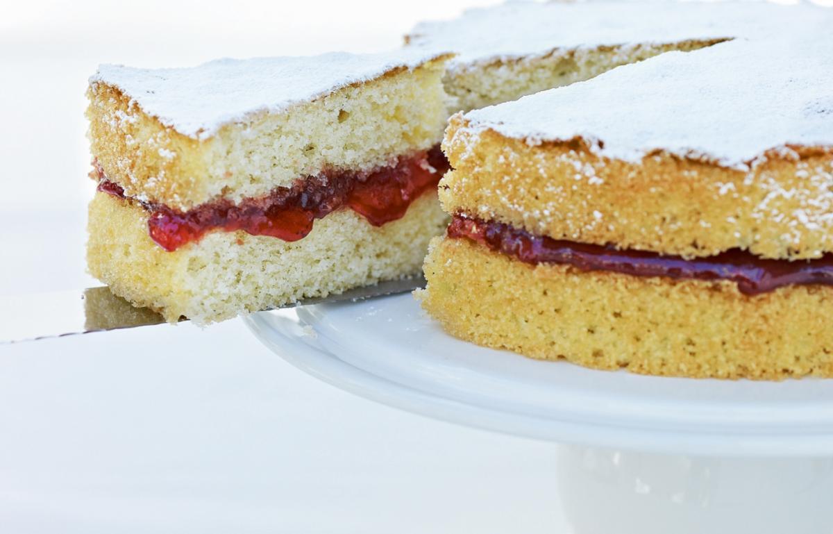 A picture of Delia's Classic Sponge Cake recipe