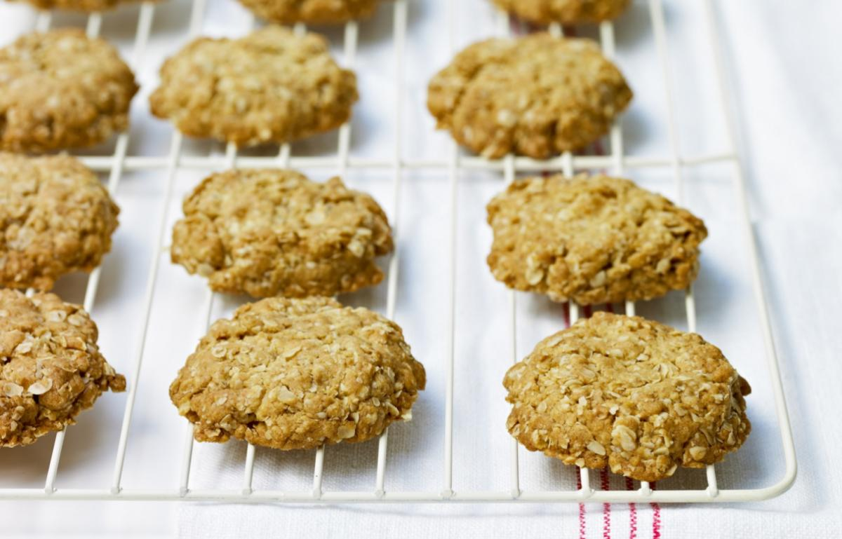 Cakes crystalised ginger oat biscuits