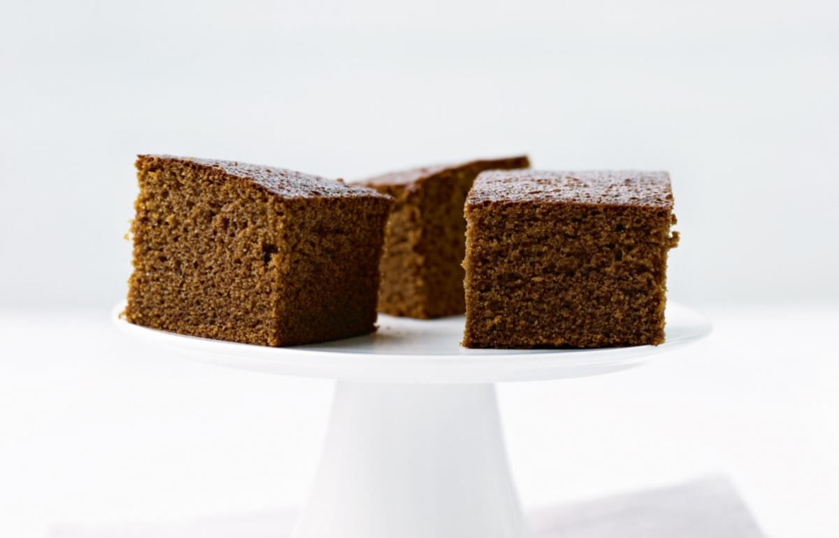 Cakes damp gingerbread