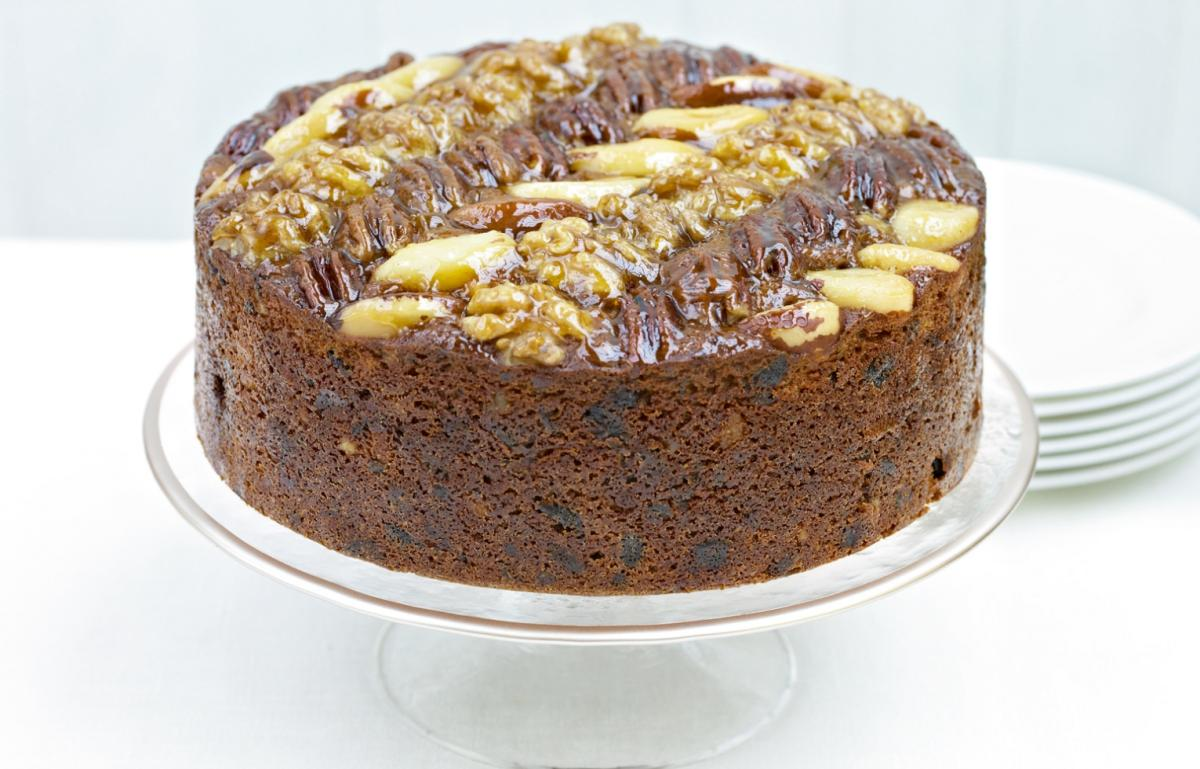 A picture of Delia's Last-minute Christmas Mincemeat Cake recipe