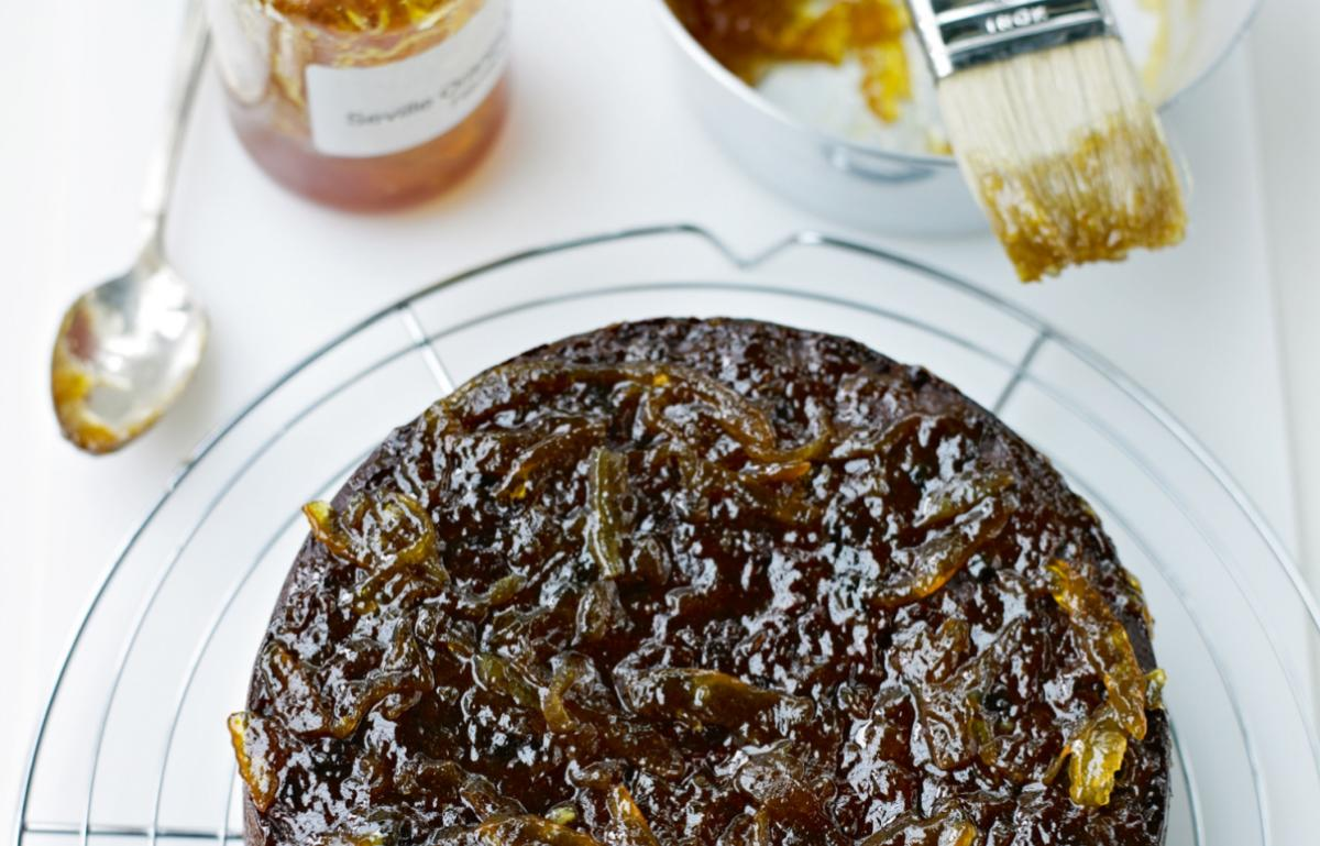 Cakes sticky prune and date cake