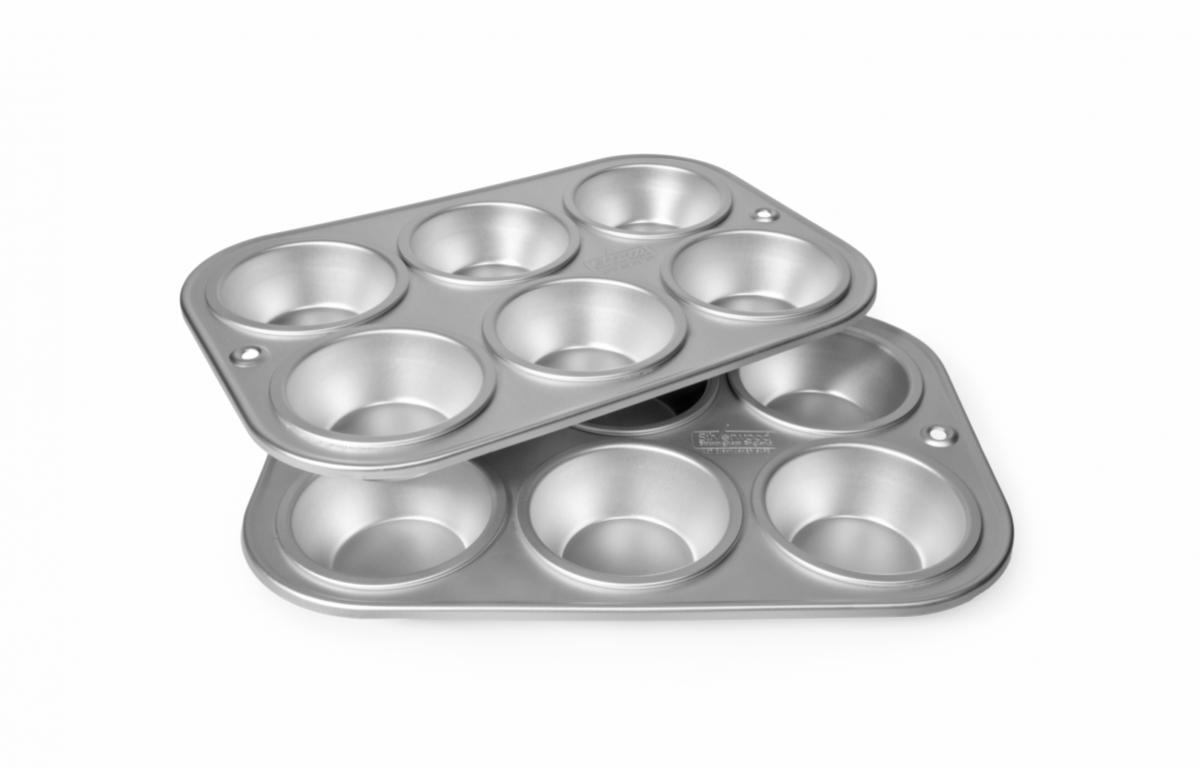 A picture of 6 Cup Muffin Tray (Each Cup 7.5cm x 3cm)