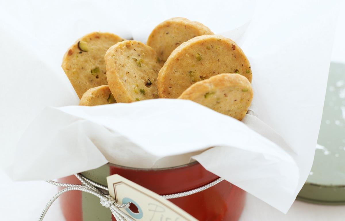 Happy pistachio sables