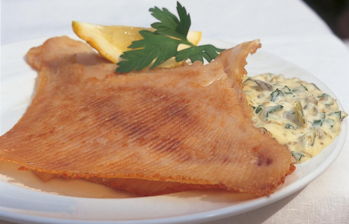 Htc fried skate wings with very quick home made tartare sauce