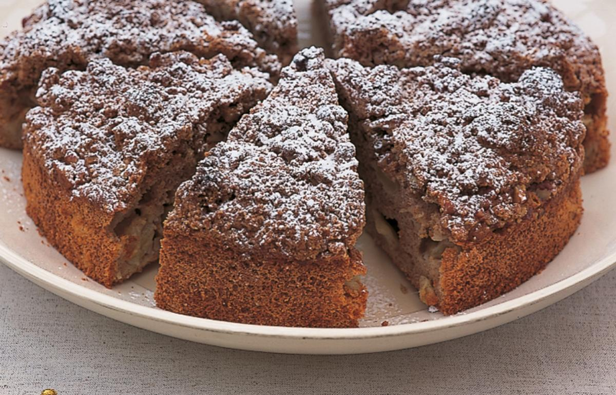 Htc spiced apple muffin cake with pecan streusel topping version1
