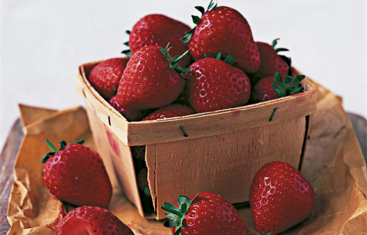 Ingredient puddings strawberries