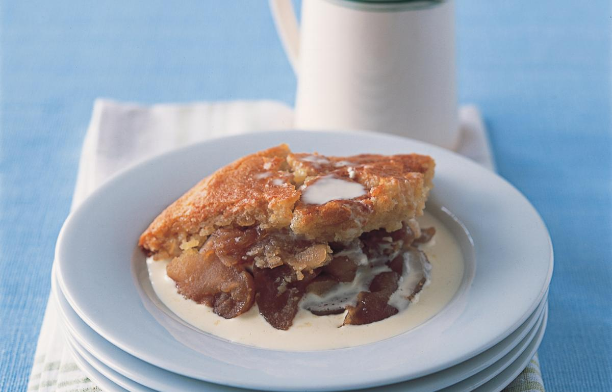 Puddings baked apple and almond pudding