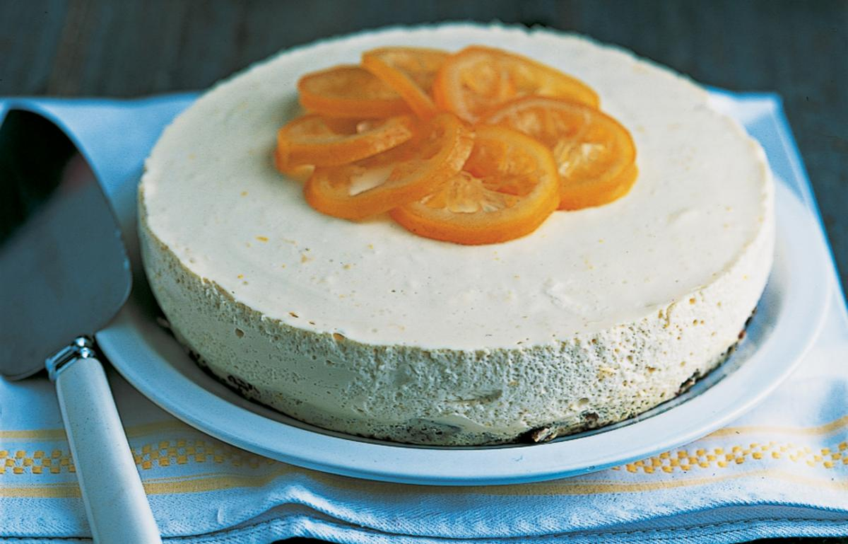 Puddings lemon ricotta cheesecake with a confit of lemons