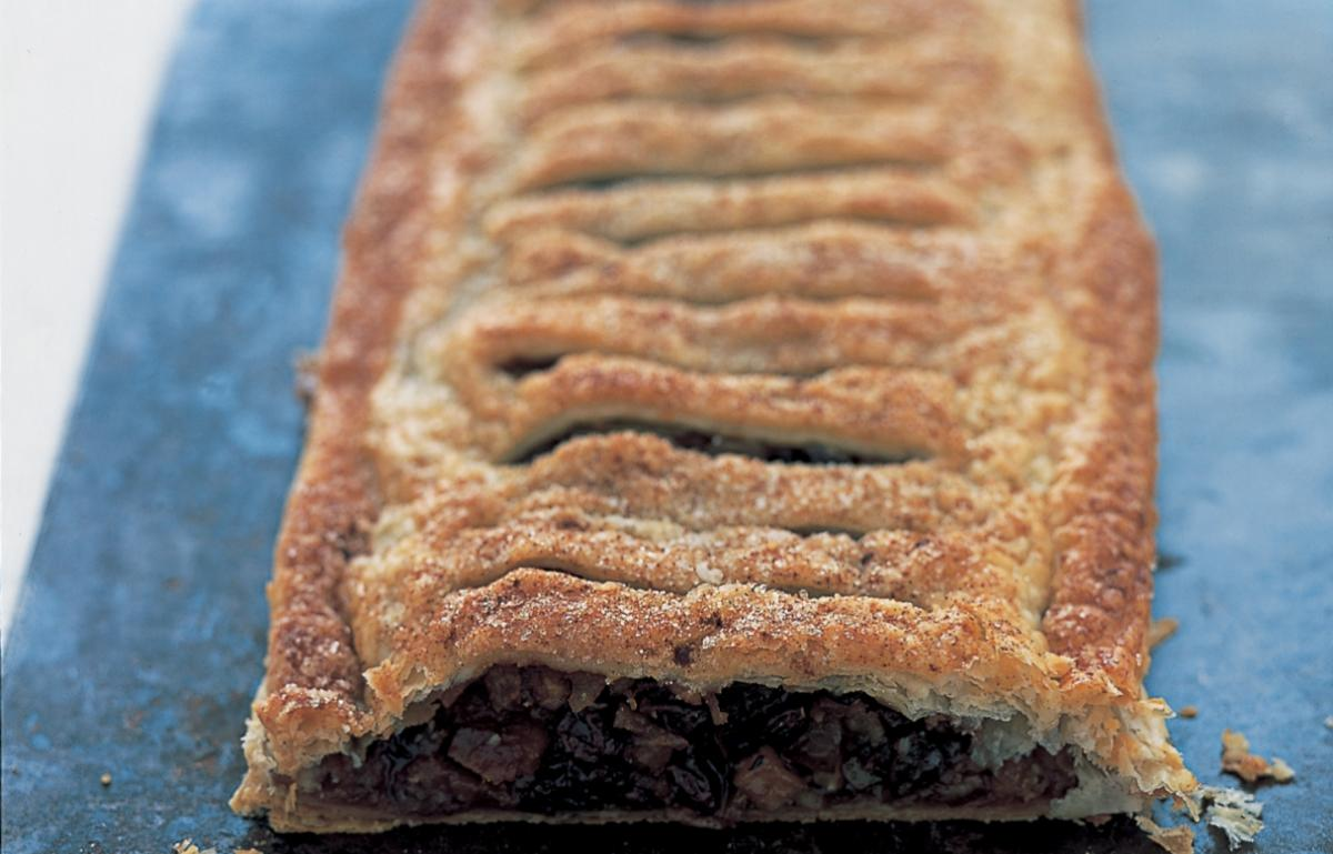 Puddings mincemeat and apple jalousie