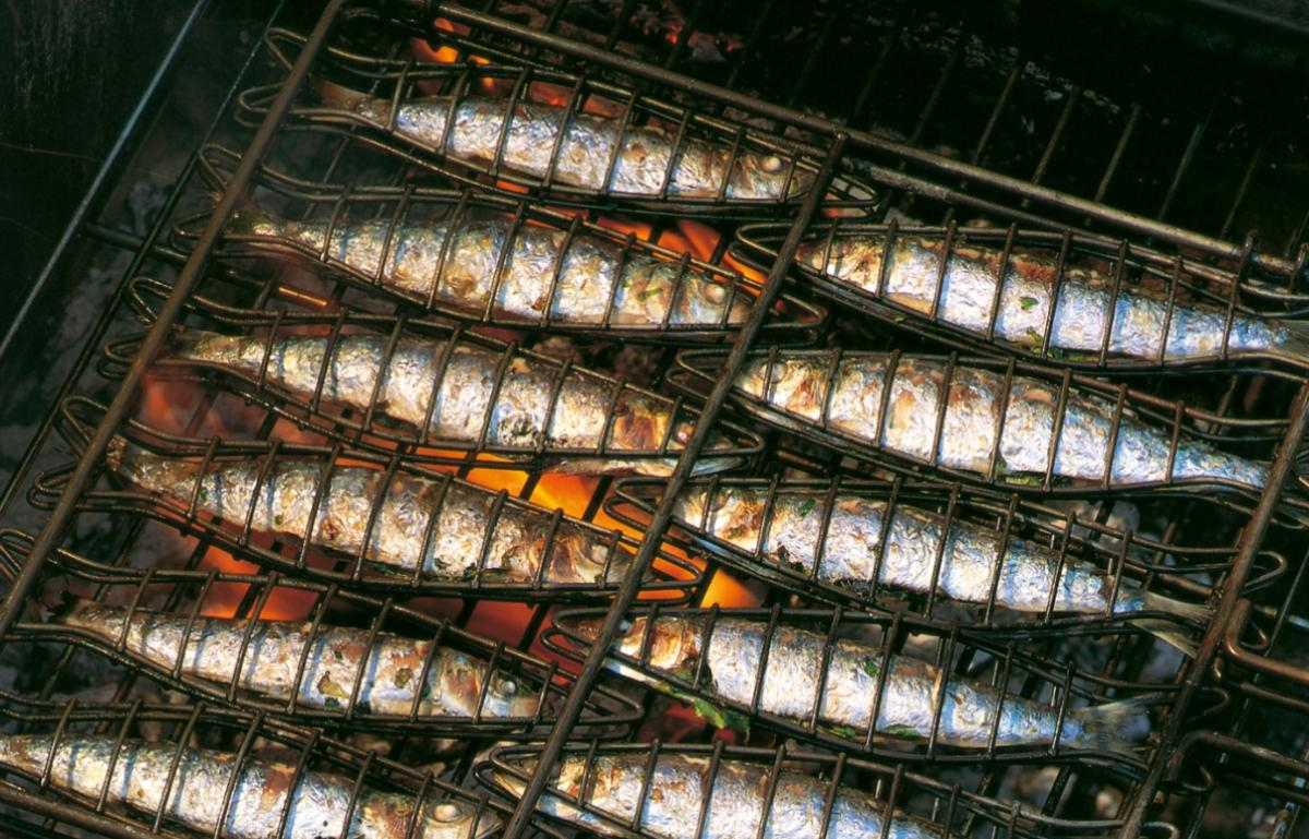 Summer barbecued sardines with summer herb sauce