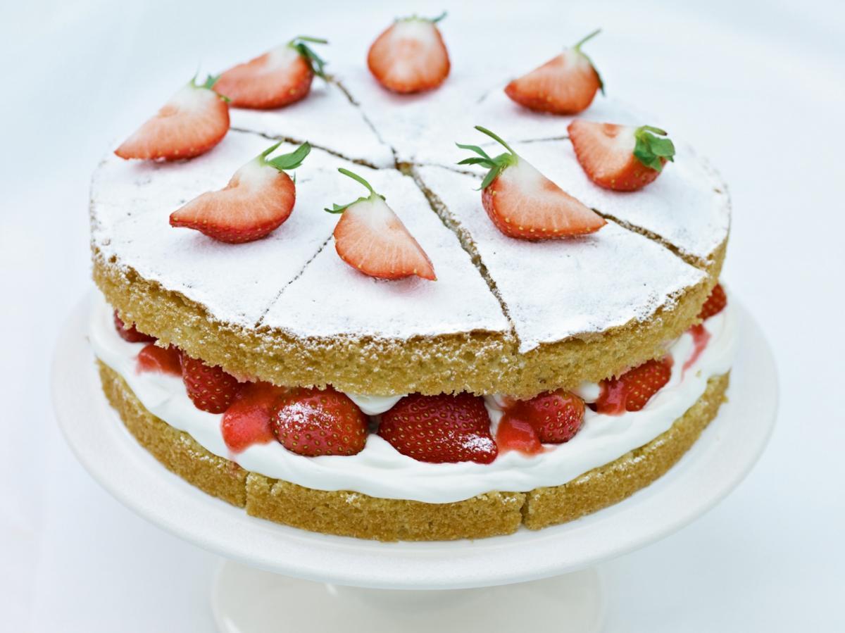 Cakes strawberries and cream sponge cake
