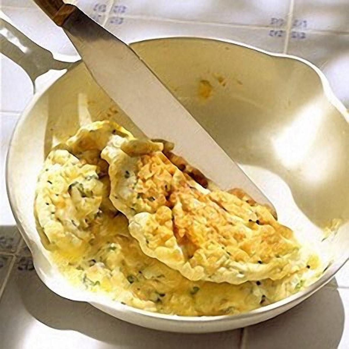 A picture of Delia's Cashel Blue Souffle Omelette recipe