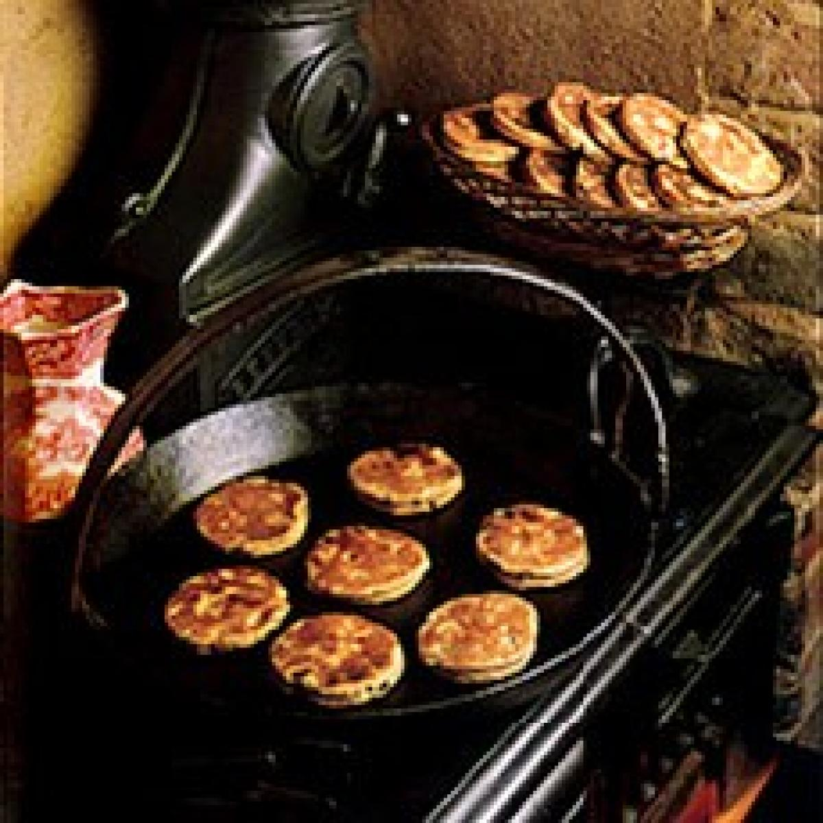 A picture of Delia's Wholewheat Girdle Cakes recipe