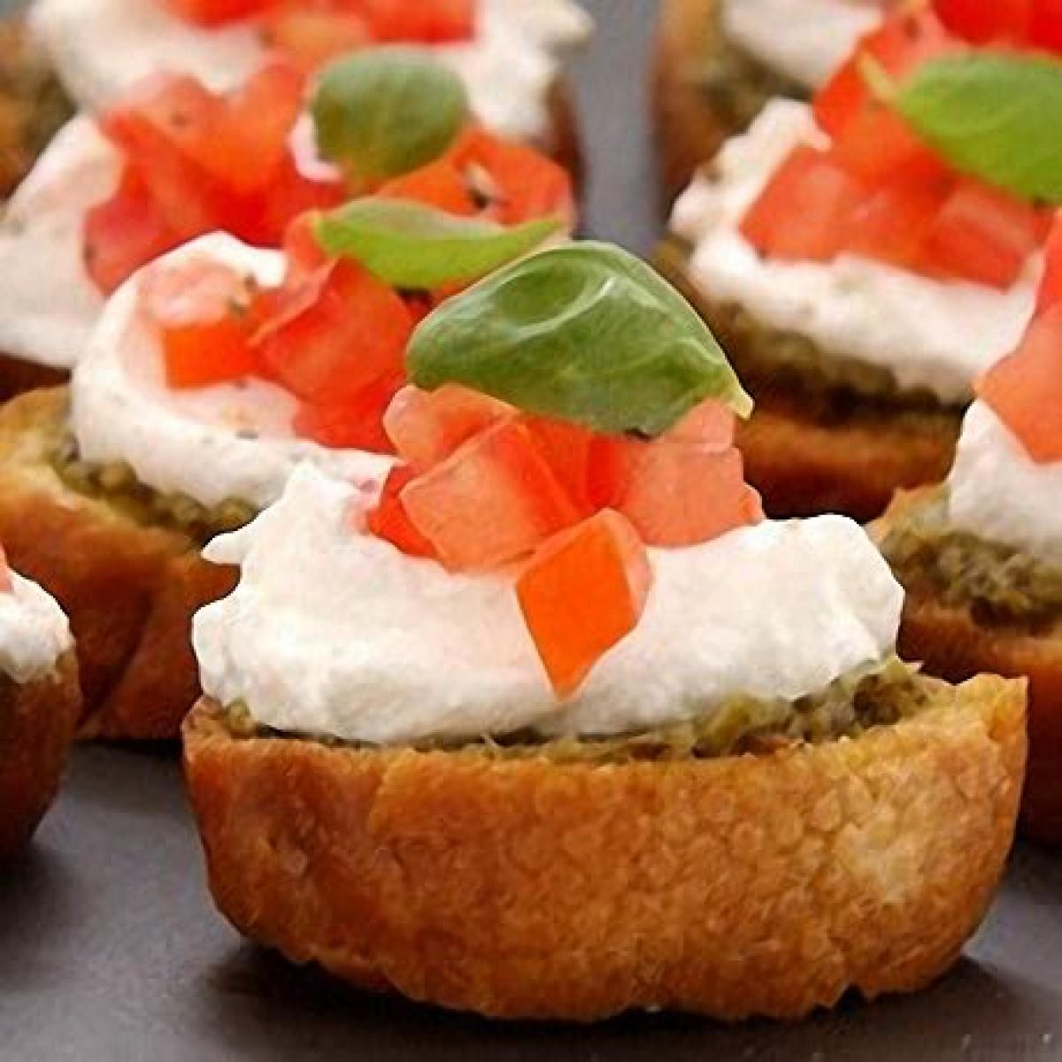 Bruschettas with goats 39 cheese basil and tomato recipes for Cheese canape ideas
