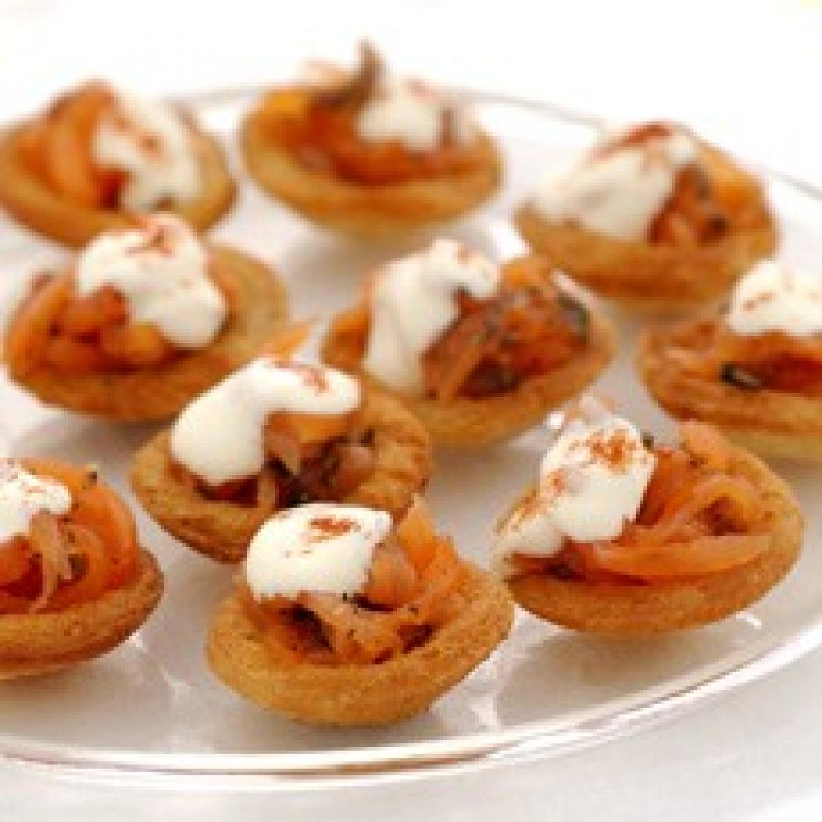 Bruschettas with goats 39 cheese basil and tomato recipes for Canape dessert ideas