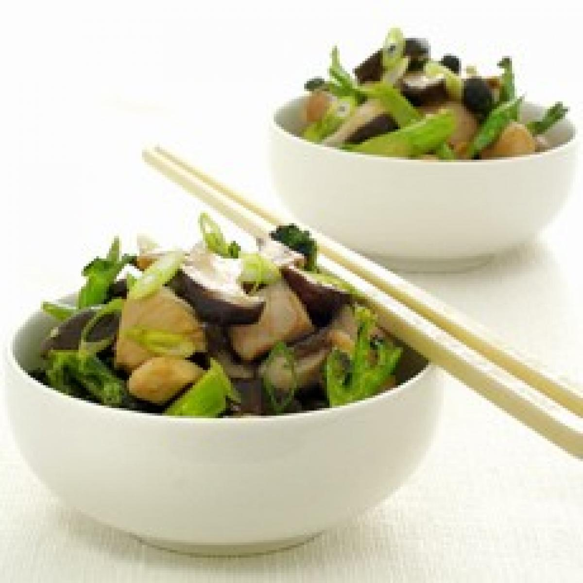 A picture of Delia's Chinese Stir-fried Chicken with Broccoli and Mushrooms recipe