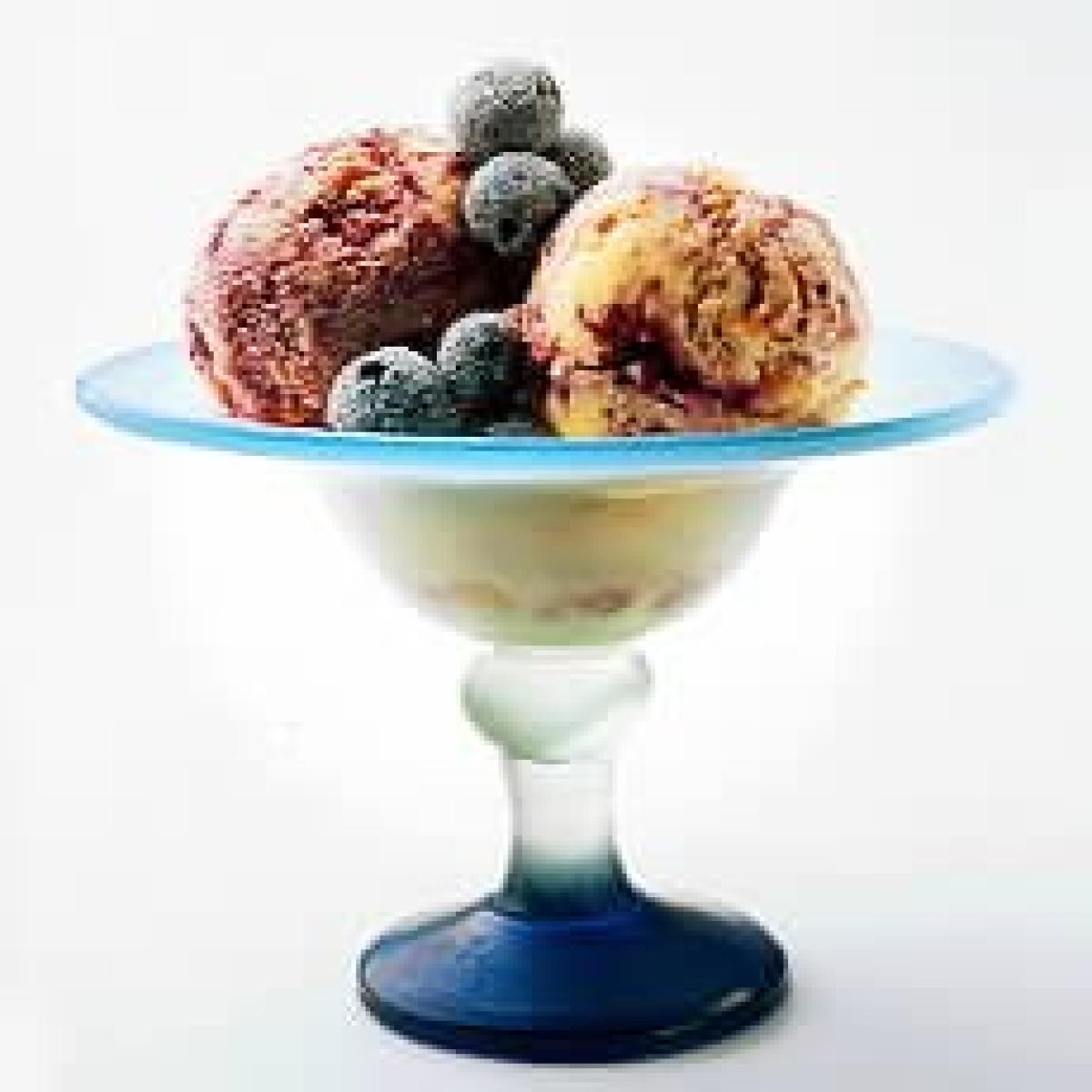 A picture of Delia's Blueberry Crumble Fromage Frais Ice Cream recipe