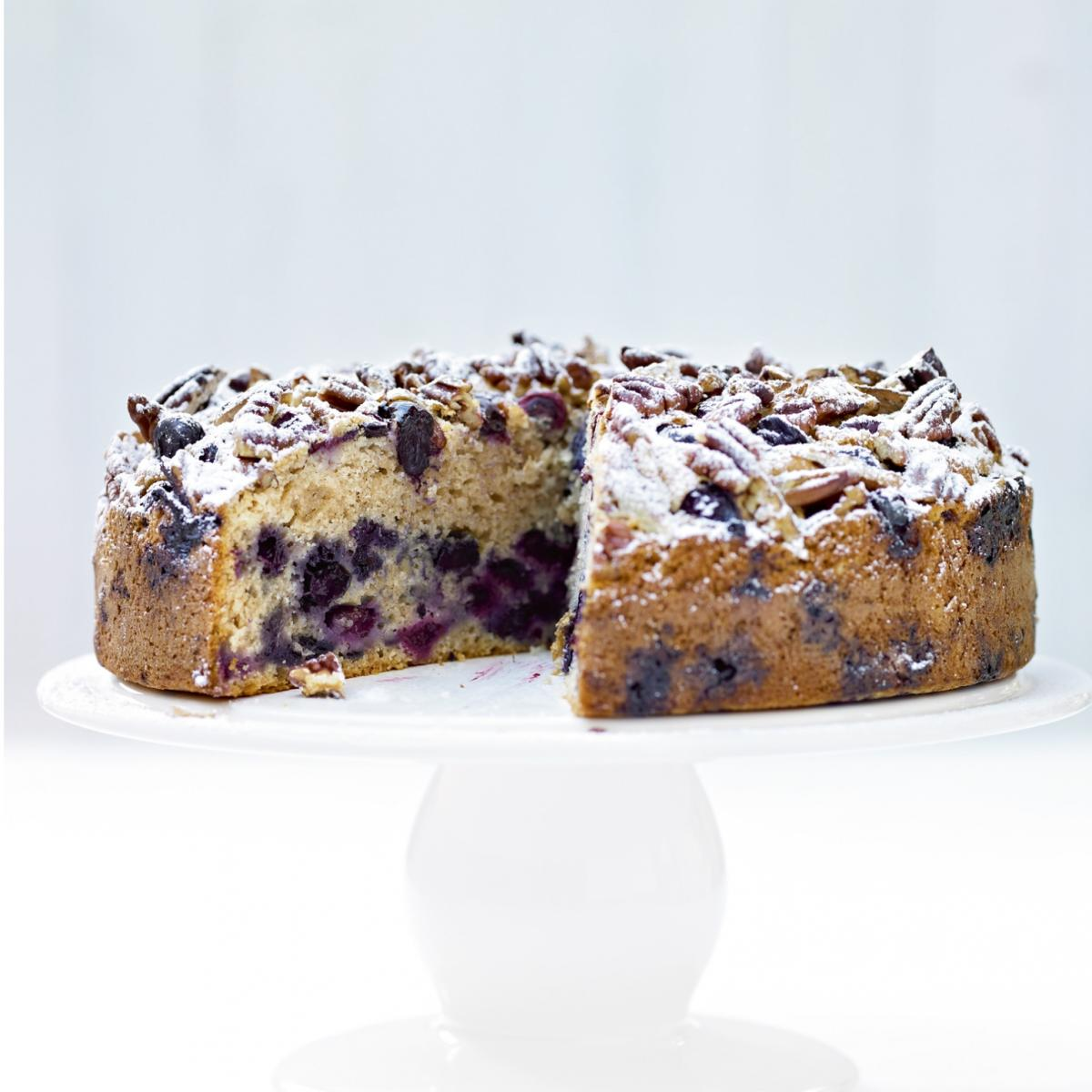 Cakes blueberry and pecan muffin cake