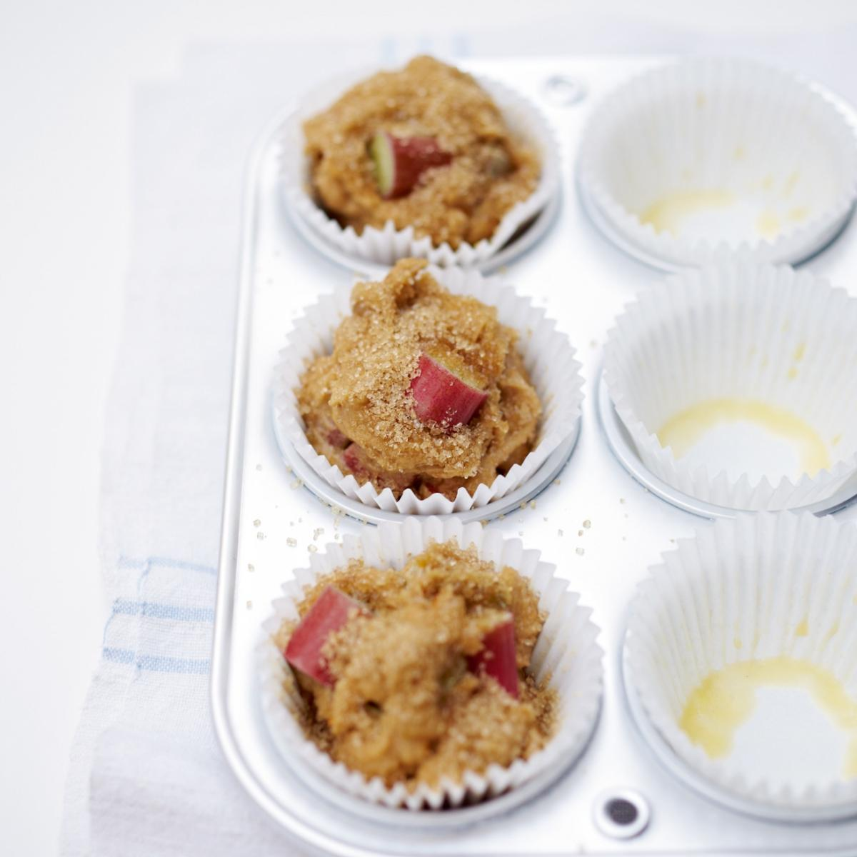 Cakes rhubarb and orange muffins