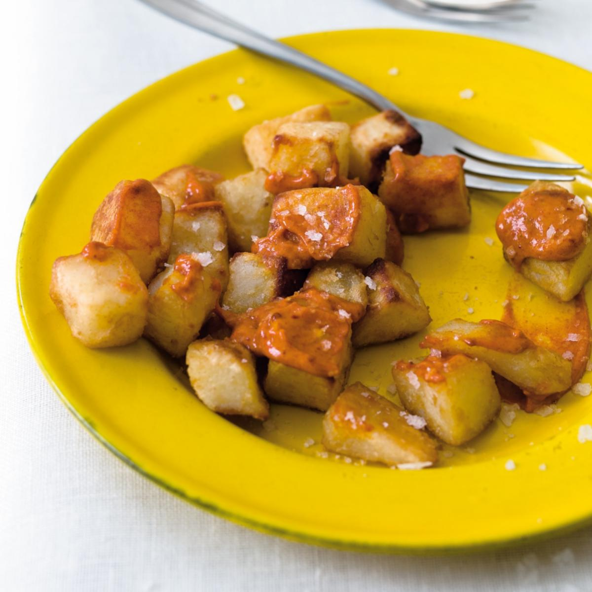 Cheat patatas bravas