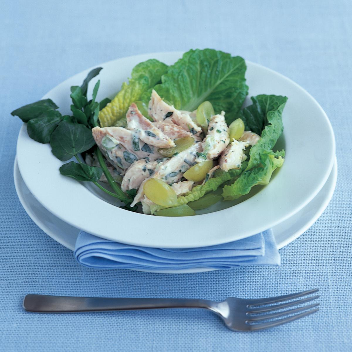 Chicken chicken salad with tarragon and grapes