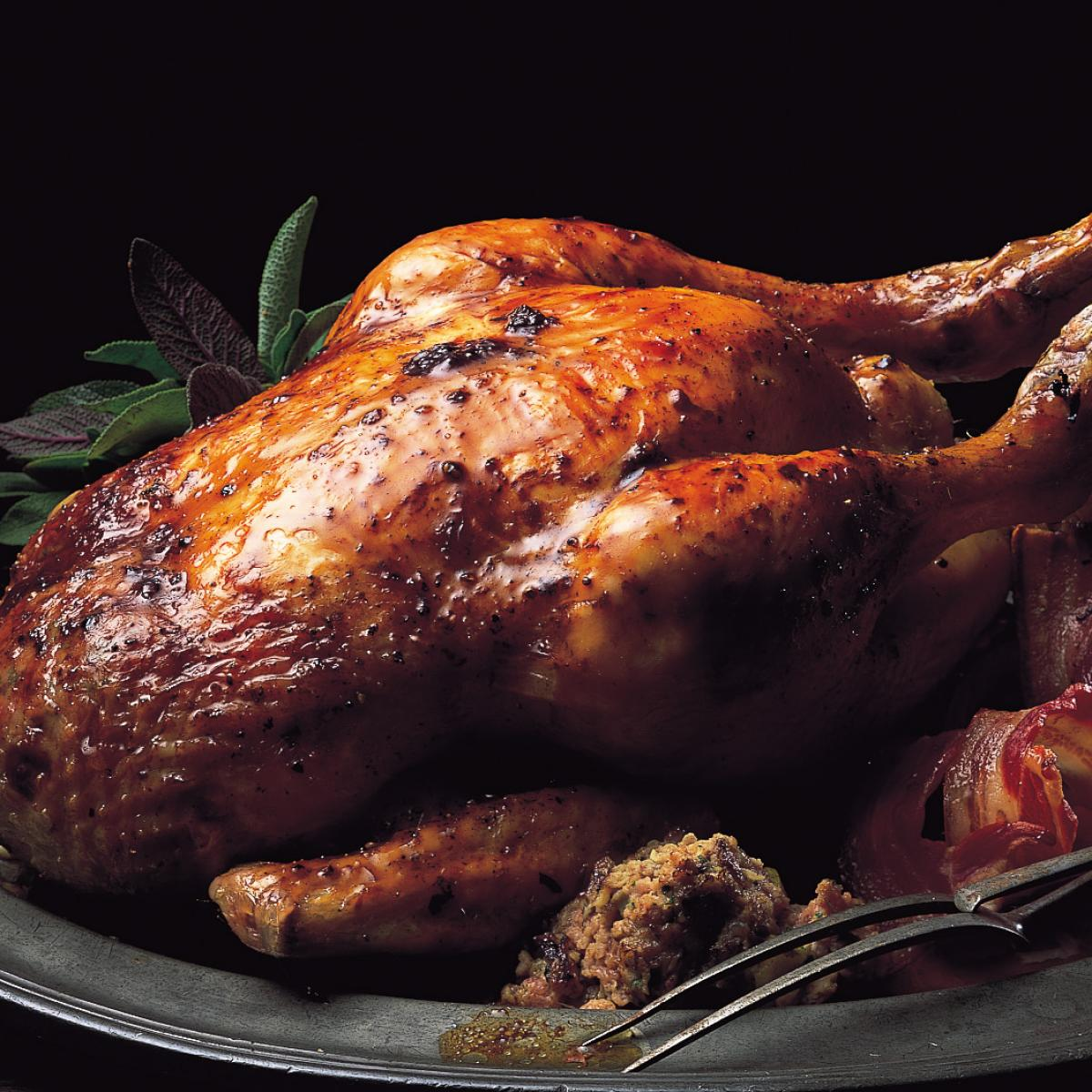 A picture of Delia's Chicken and other poultry how to cook guide
