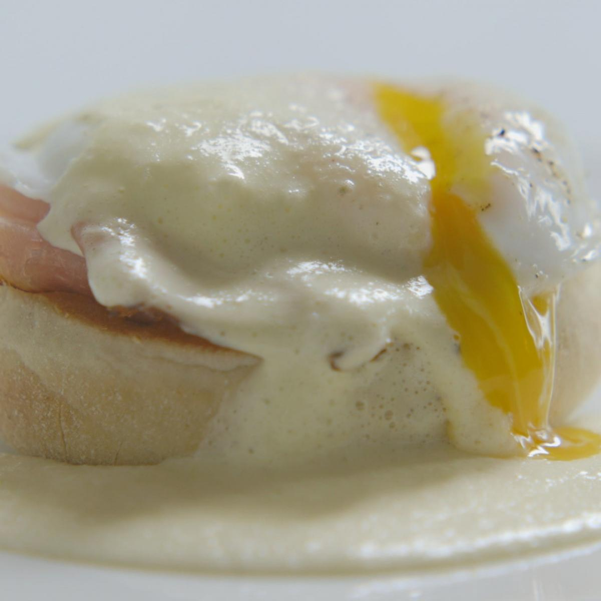 A picture of Delia's Eggs Benedict recipe