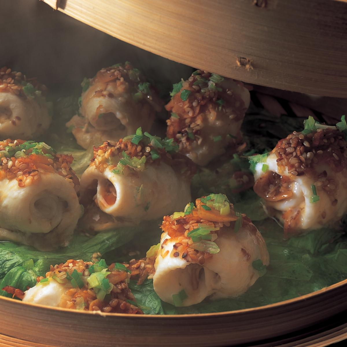 A picture of Delia's Oriental Steamed Fish with Ginger, Soy and Sesame recipe