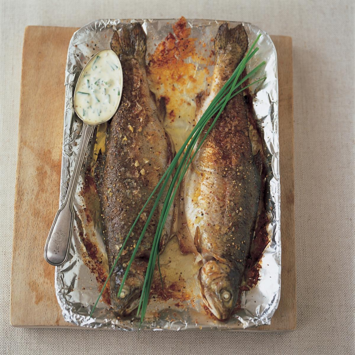 Fish trout with butter creme fraiche and chives