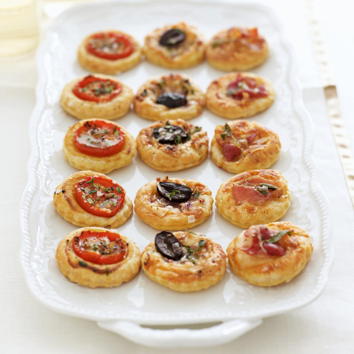 Dinner Party Nibbles Ideas Part - 38: Happy Mini Tarts With Three Toppings