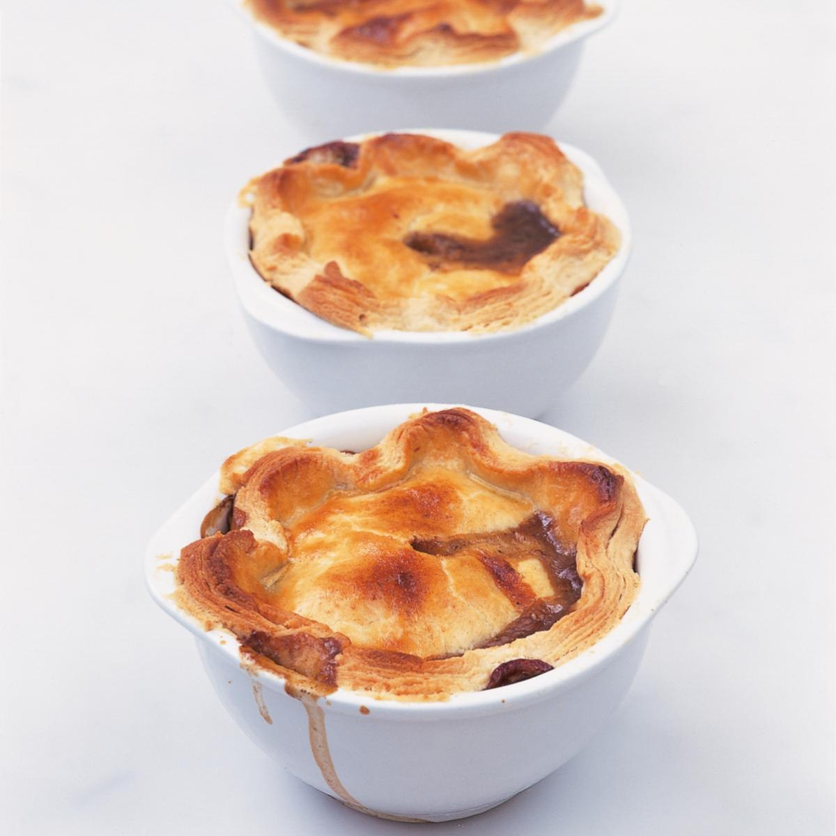 Htc individual steak mushroom and kidney pies