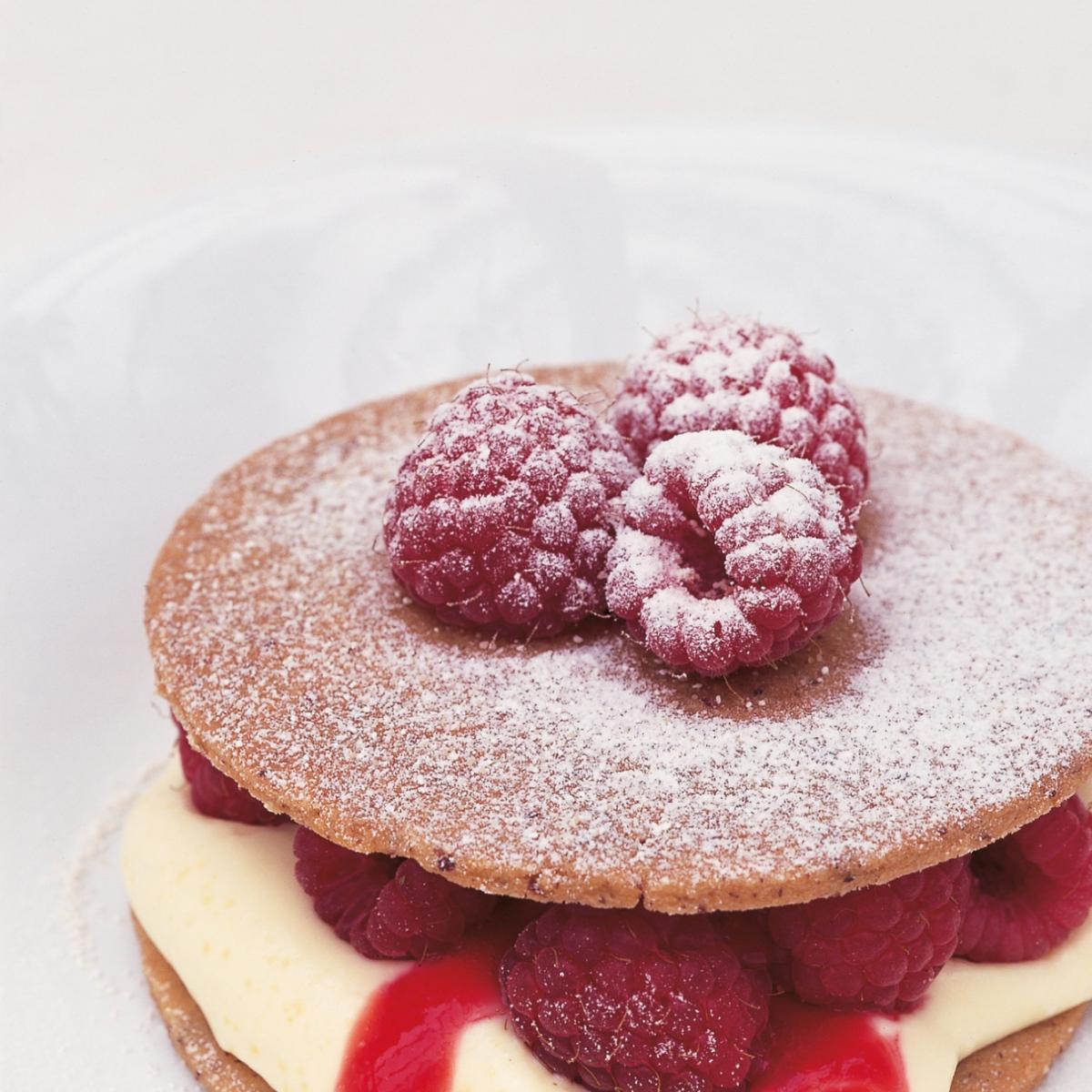 Htc pecan shortbreads with raspberries and raspberry puree