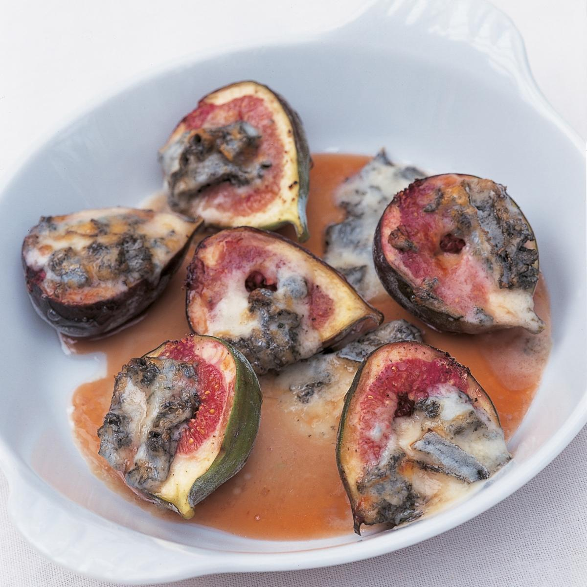 Htc roasted figs with gorgonzola and honey vinegar sauce