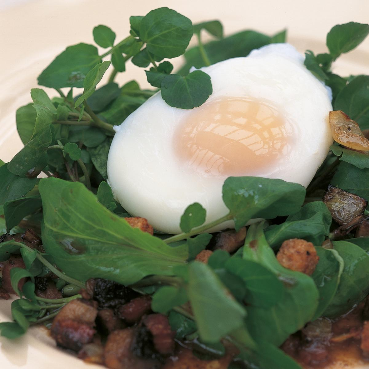 A picture of Delia's Warm Spinach Salad with Poached Eggs, Frizzled Kabaños and Bacon recipe