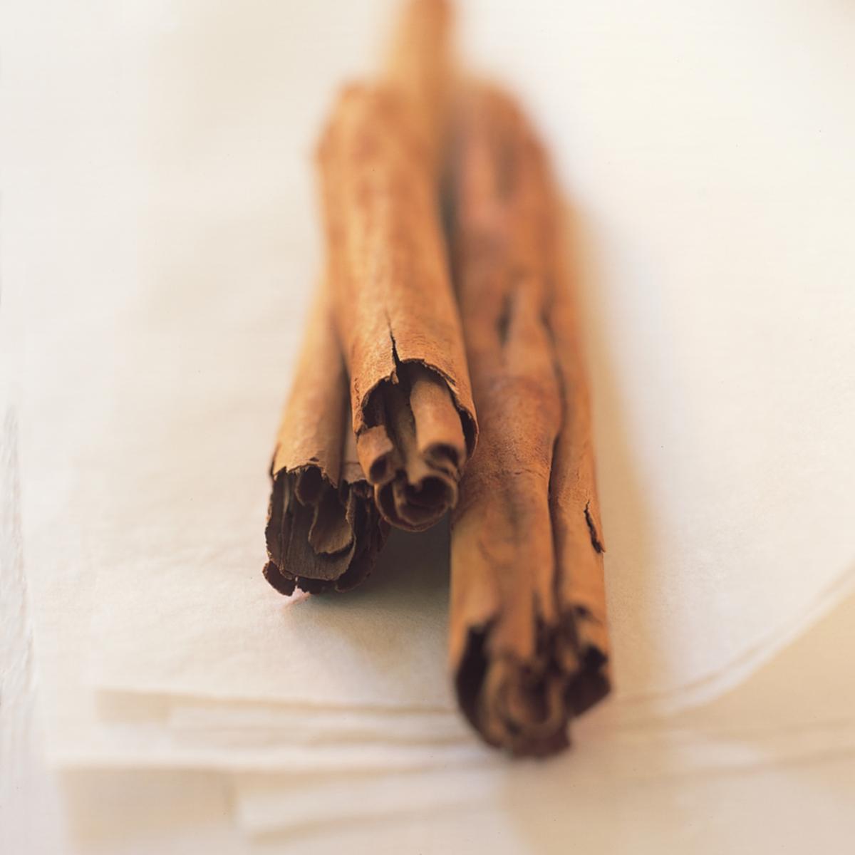 Ingredient baking cinammon sticks