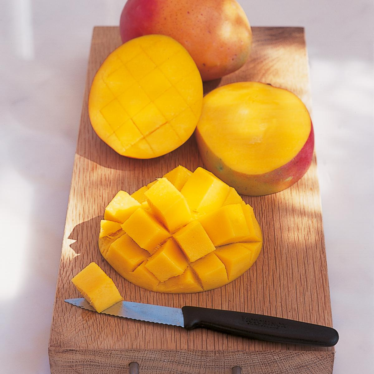 A picture of Delia's How to prepare and serve a mango how to cook guide