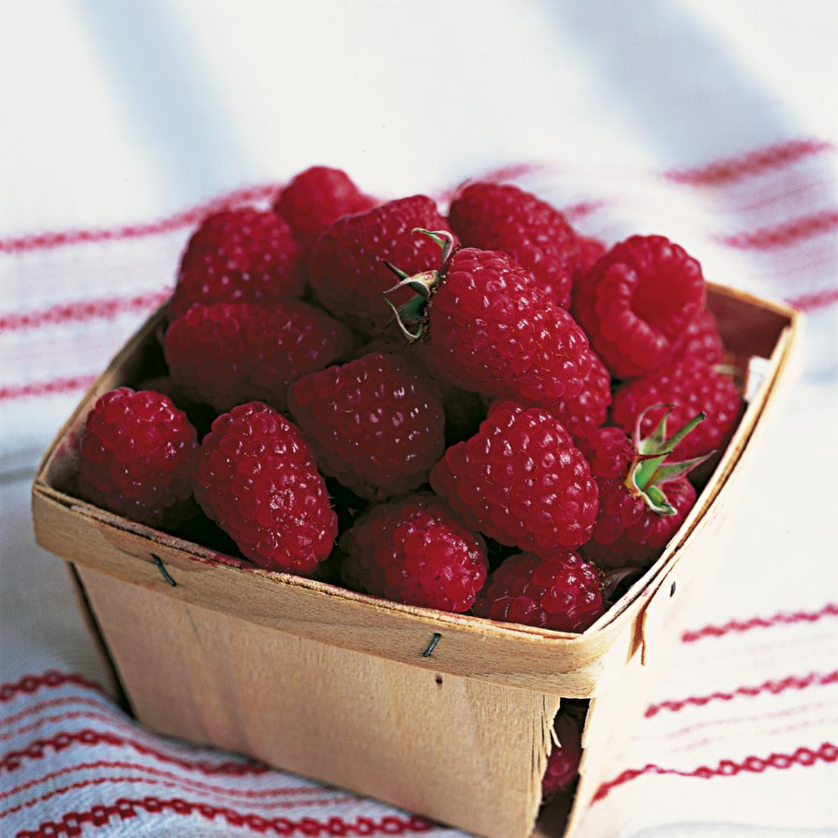 Ingredient puddings raspberries