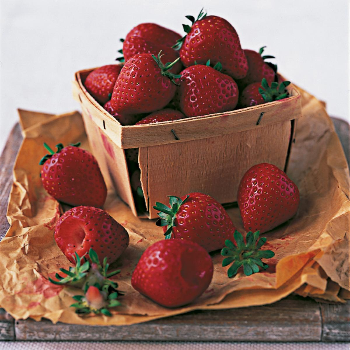 Ingredient puddings strawberries