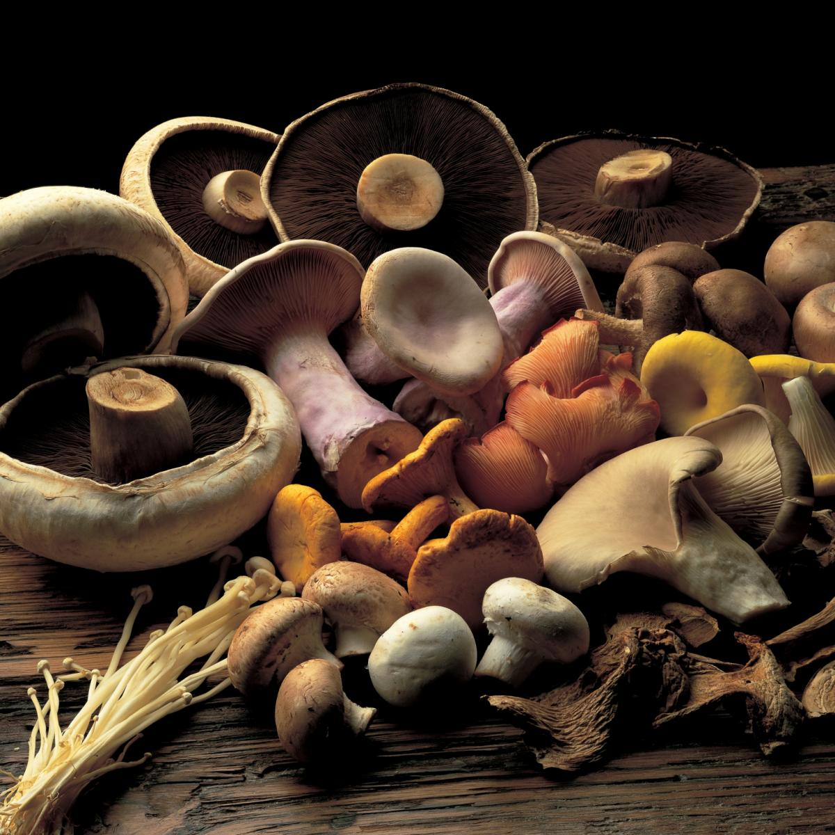 A picture of Delia's Marinated Mushrooms with Garlic and Smoked Pimentón Mayonnaise recipe
