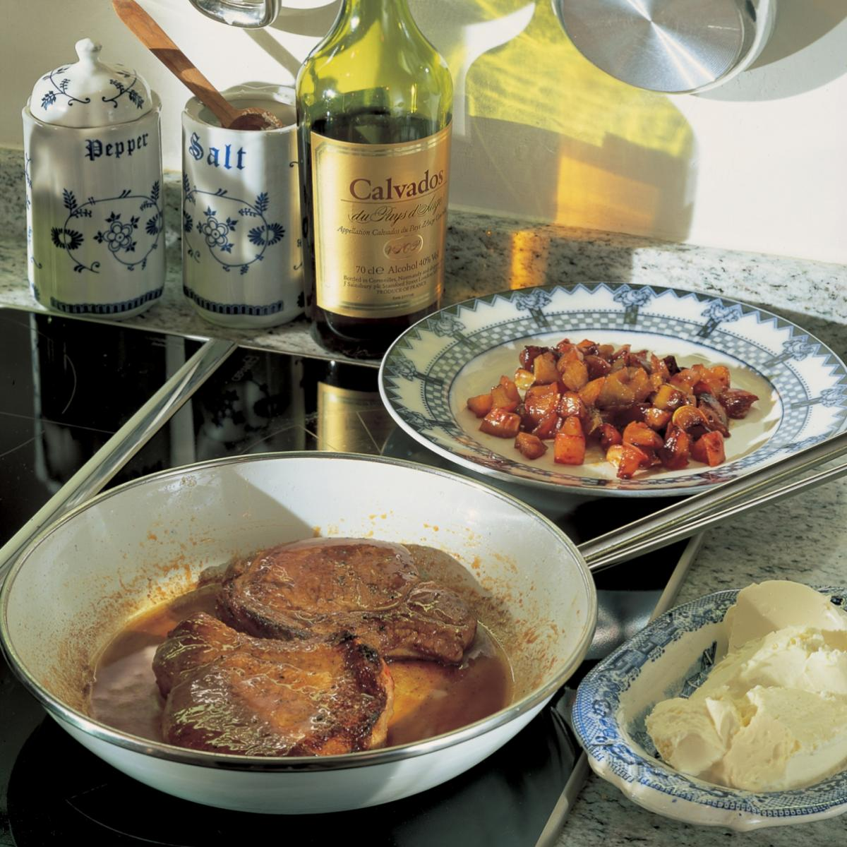 Pork pork with apples and calvados