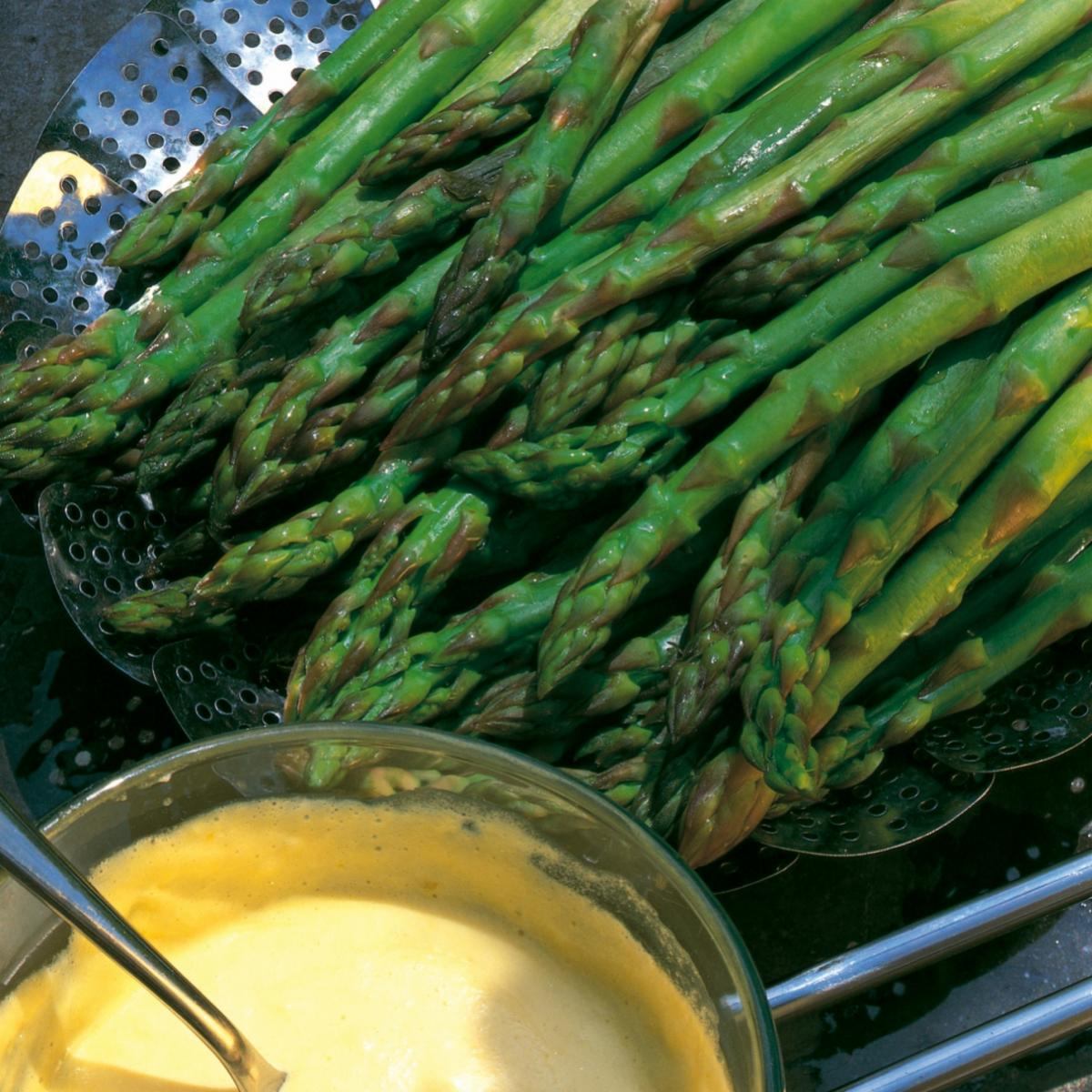 A picture of Delia's Fresh Asparagus with Foaming Hollandaise recipe
