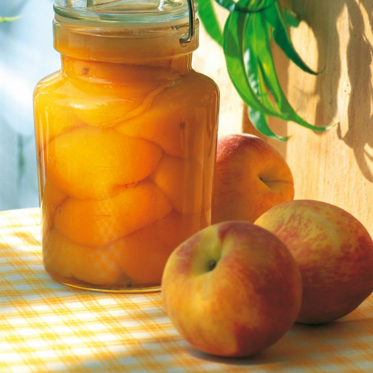Summer preserved pickled peaches