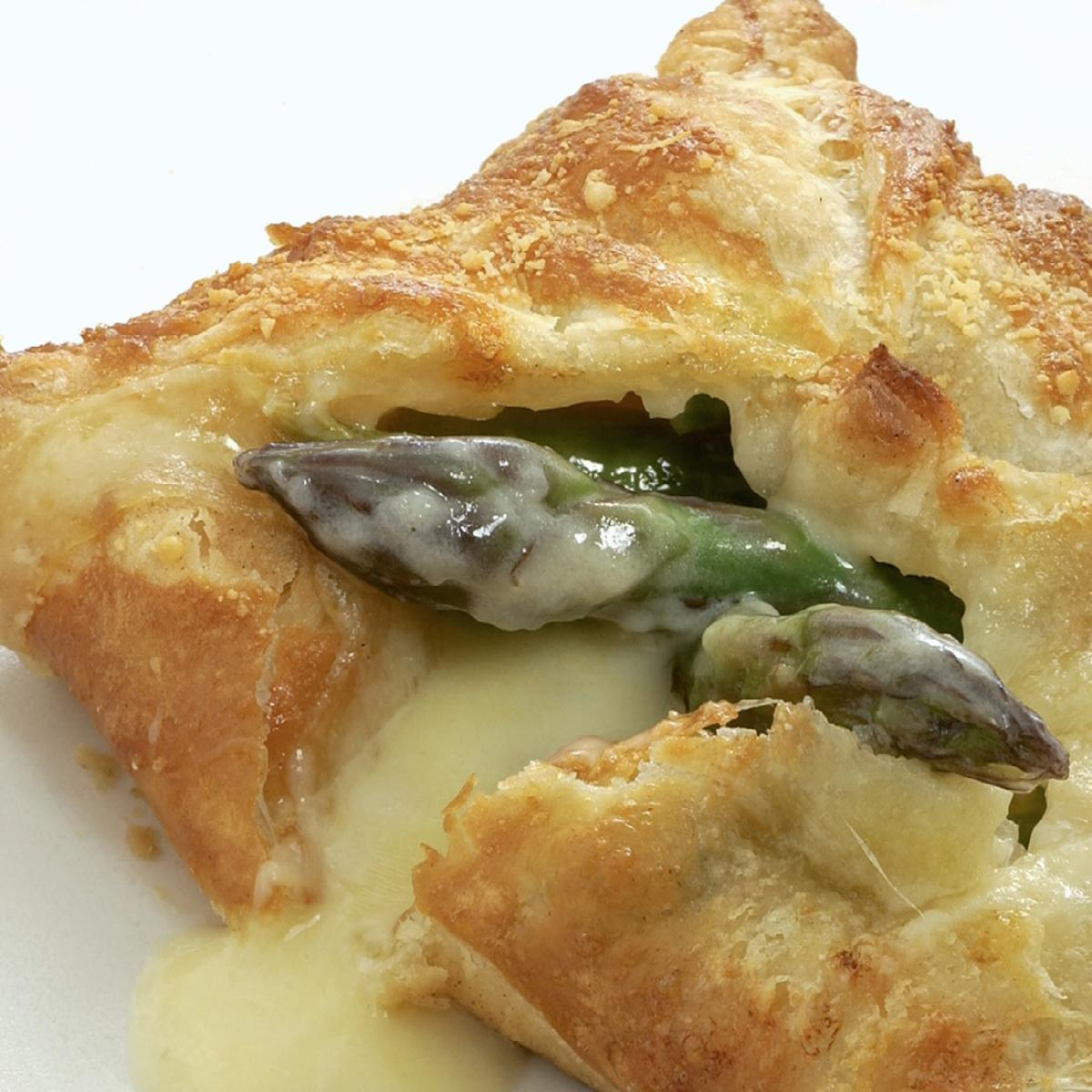 A picture of Delia's Asparagus and Gruyere Feuilletés recipe